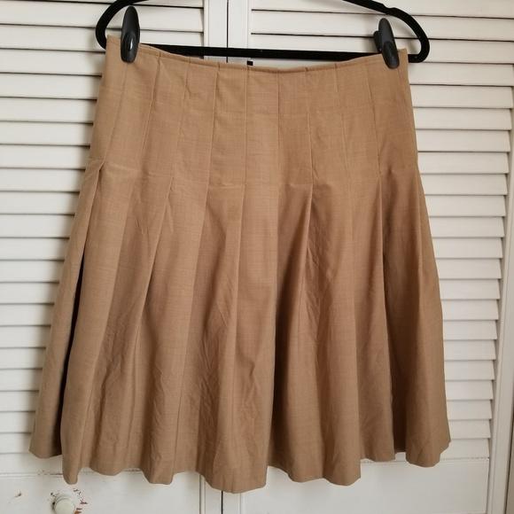 19bc422f9 Theory || tan pleated skirt. M_5ad39b043afbbd854da8d15e